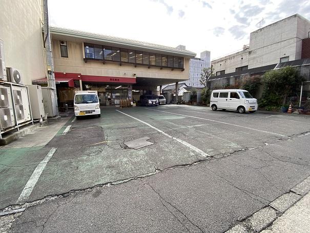 にしきや駐車場