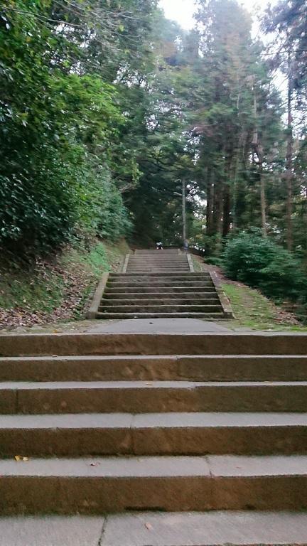 厳魂神社(奥社)への階段