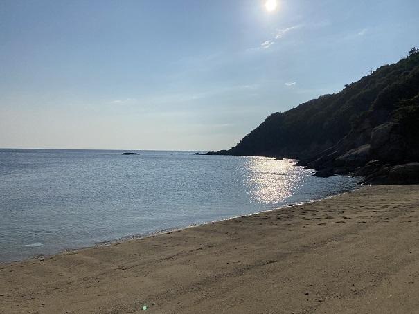 仁老浜海水浴場岩場