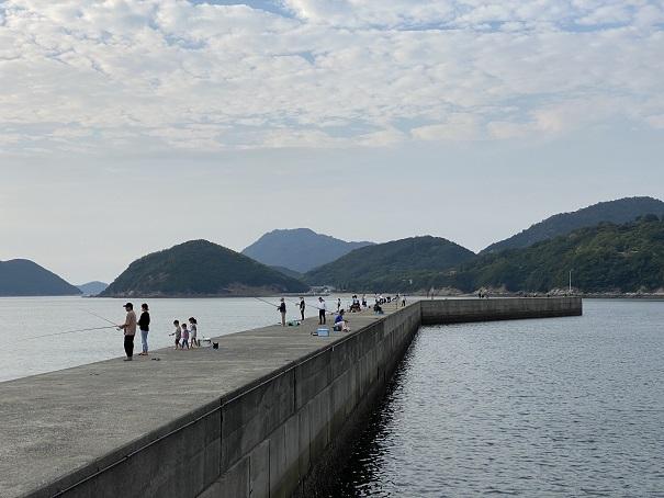 仁尾マリーナの防波堤