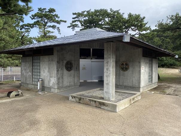 琴弾公園のトイレ