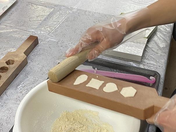 手作り和三盆型抜き体験