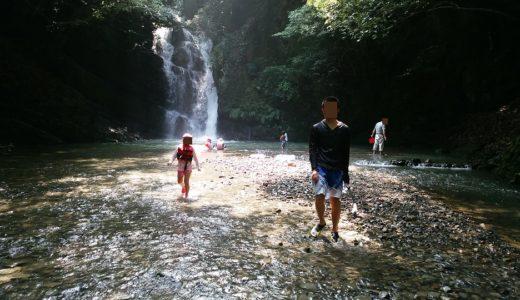 鮎返りの滝 水遊びや飛び込み 財田川支流戸川 三豊市財田町