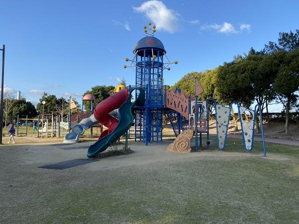 うたづ臨海公園大型遊具
