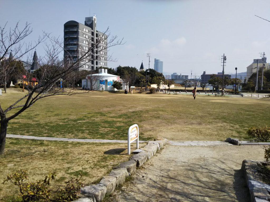 うたづ臨海公園芝生広場