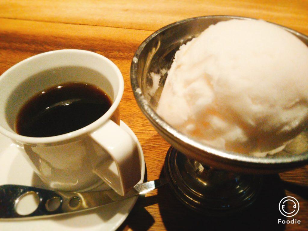 桃のジェラートコーヒー