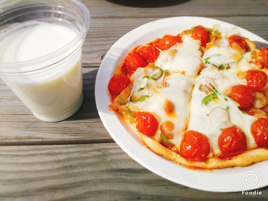 ピザと牛乳