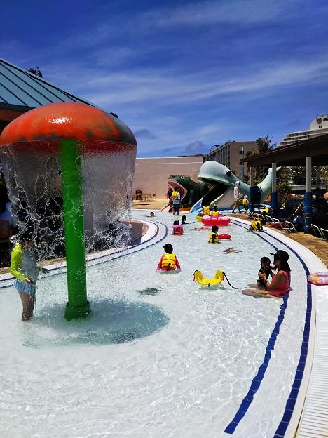 小さい子供も楽しめるプール