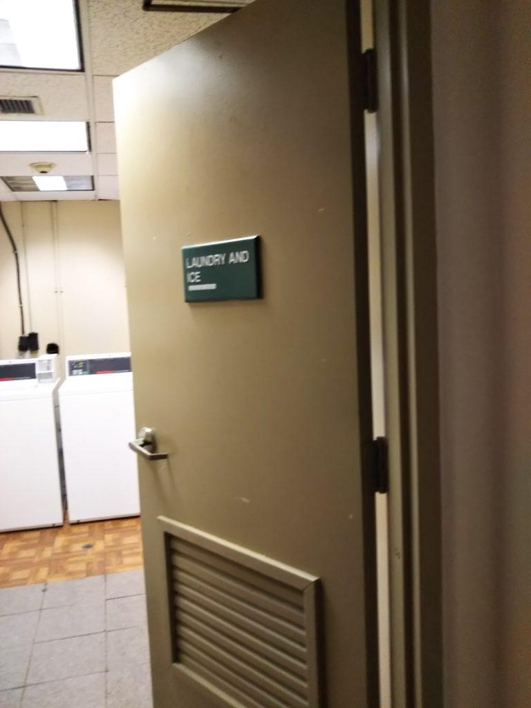 ランドリー室