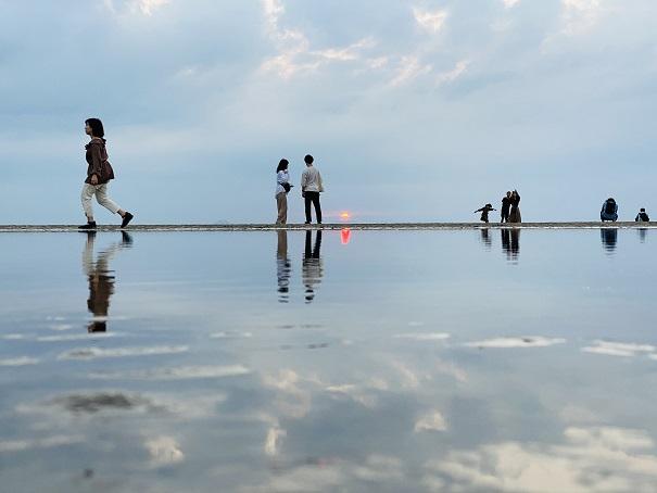 父母ヶ浜のウユニ塩湖風の写真