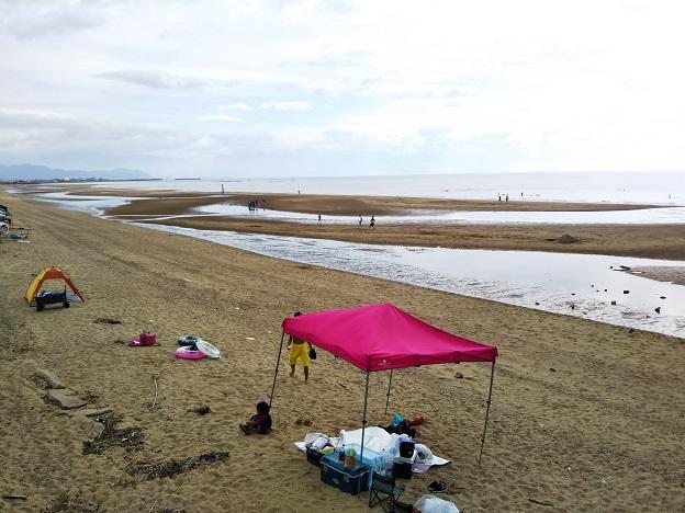 有明ふれあい海岸で海水浴