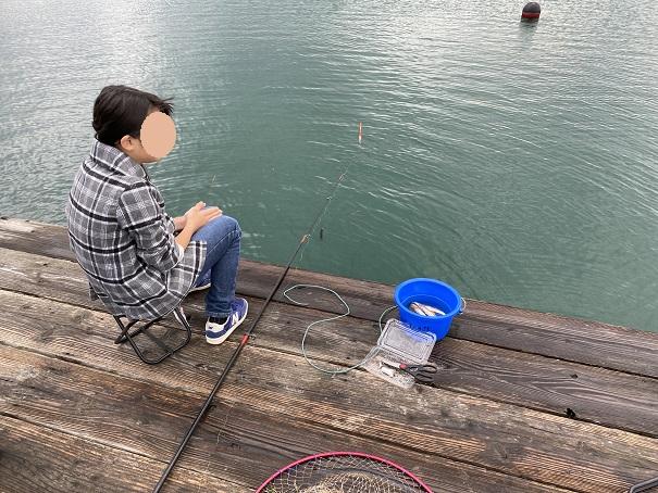 安戸池の釣り堀で釣り