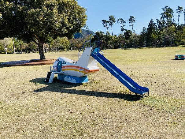 子供用滑り台リトルワールド
