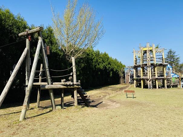 ターザンロープとゴンドラ冒険の砦