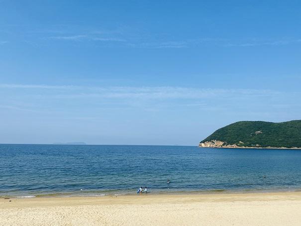 名部戸海水浴場と瀬戸内海
