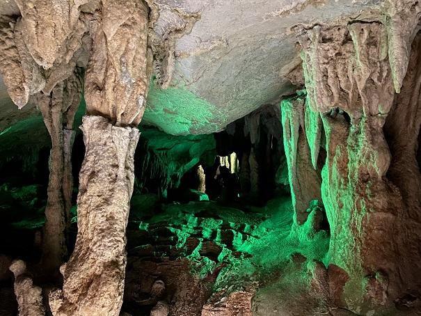 サボテンの丘龍河洞
