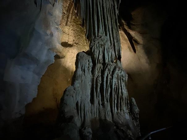 裏見の滝龍河洞