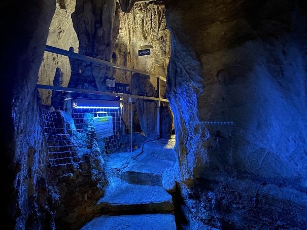 月宮殿龍河洞