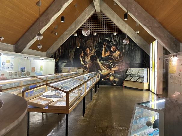 龍河洞博物館風景