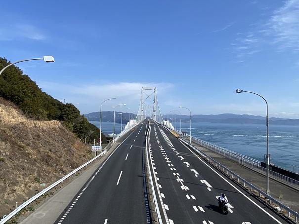 大鳴門橋と鳴門海峡