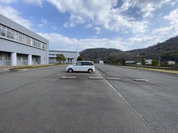 香川県防災センター駐車場