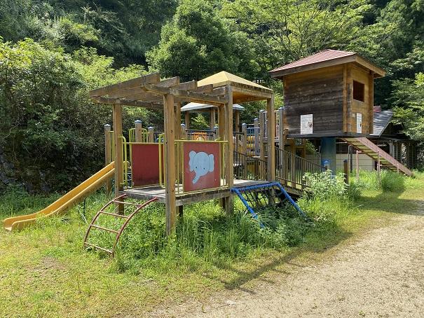祖谷ふれあい公園遊具