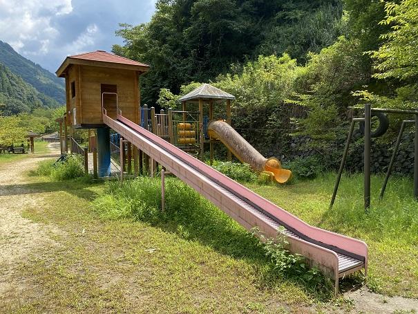 祖谷ふれあい公園滑り台