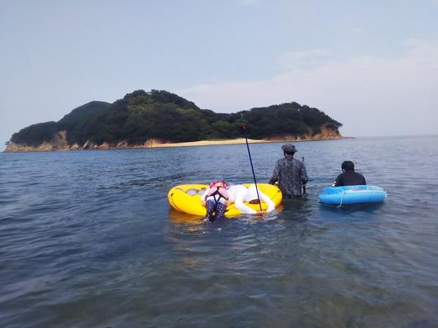 山田海岸から女島へ歩いて渡る