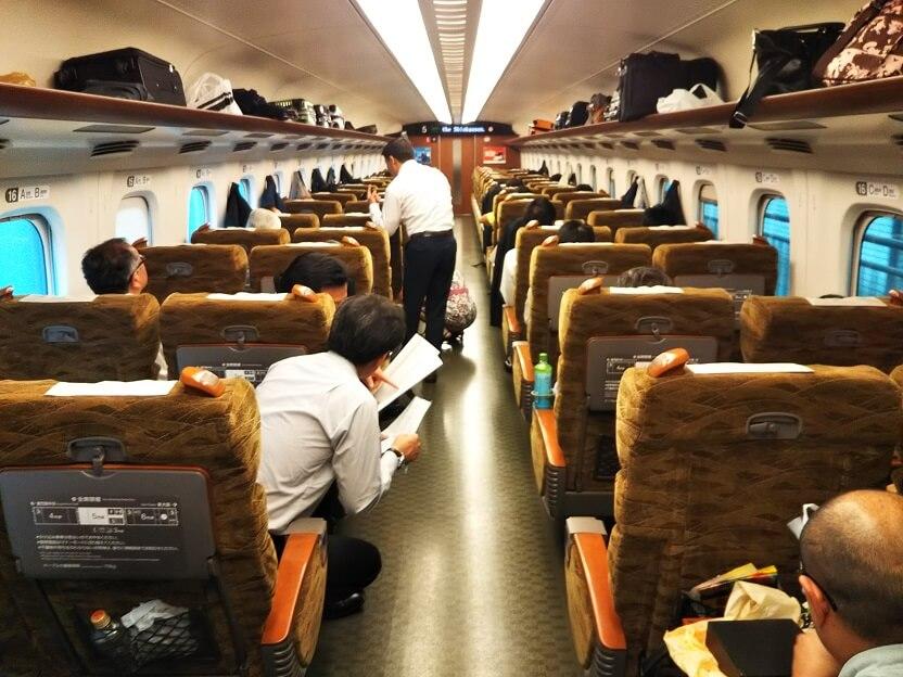 新幹線みずほとさくら車内