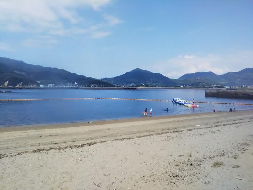香川県三豊市仁尾町の蔦島海水浴場