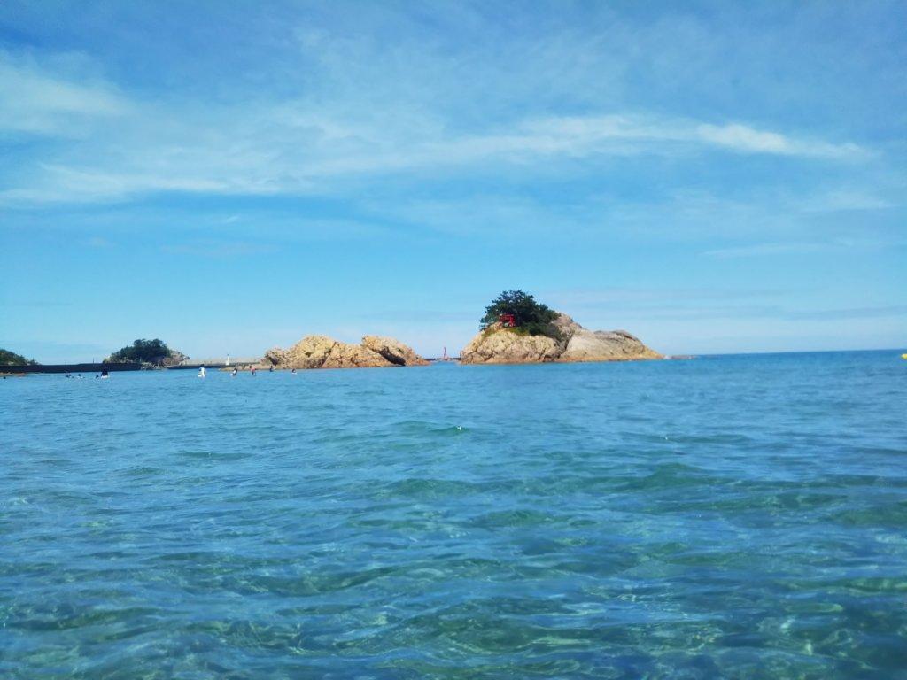 浦富海岸の海