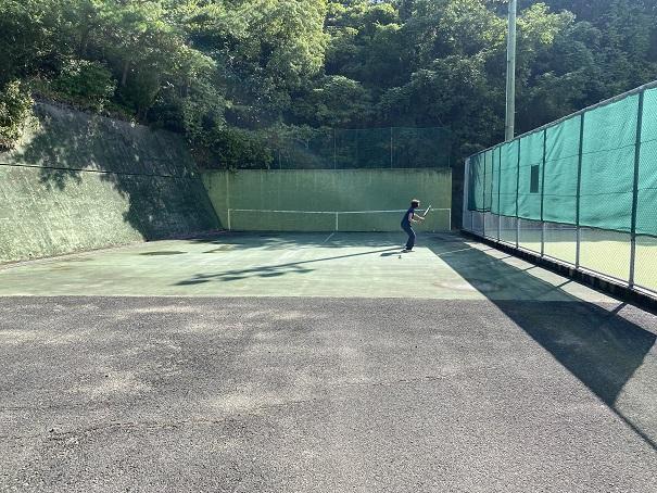 萩の丘公園テニスの壁打ち