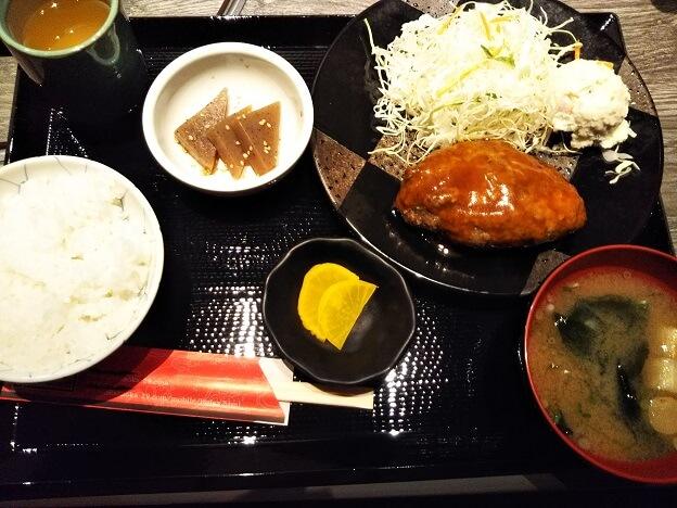 正岡の焼肉レストハンバーグ定食