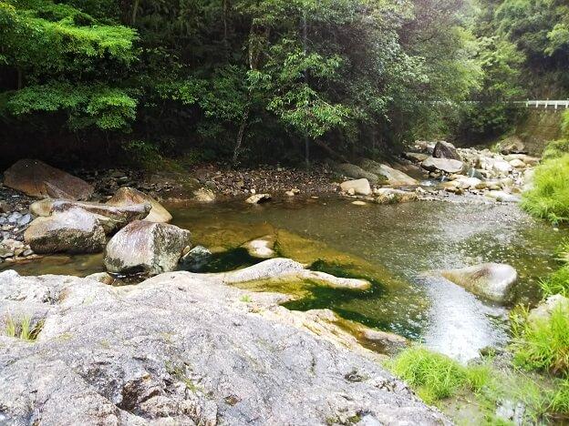 柏原渓谷の川1