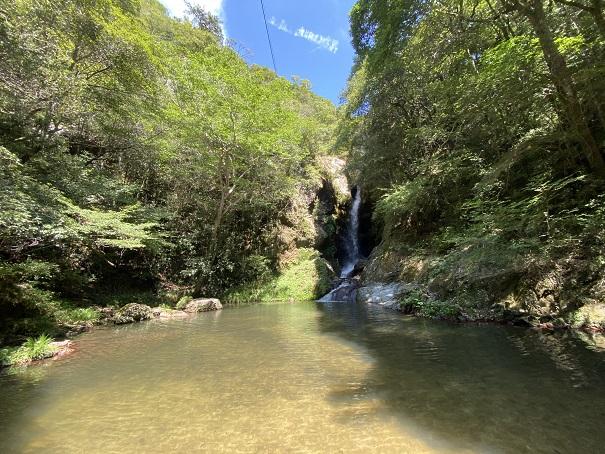 虹の滝雌滝(銚子滝)