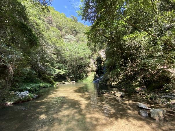 虹の滝雌滝の小蓑川