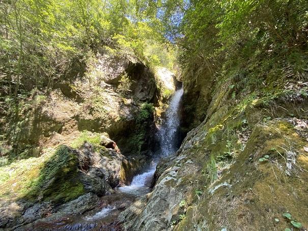 虹の滝雌滝の滝の水