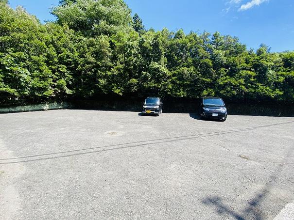 虹の滝キャンプ場駐車場