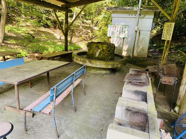 虹の滝キャンプ場炊事場飯ごう