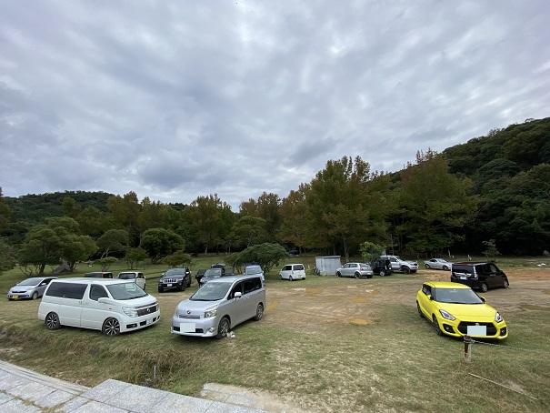 田の浦野営場と田の浦海岸駐車場