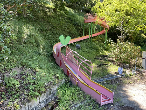 穴吹川ふれあい広場ローラー滑り台