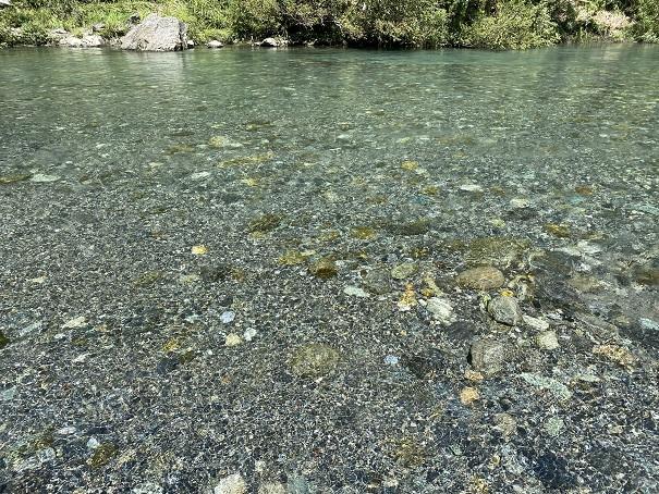 穴吹川天神の瀬清流透明