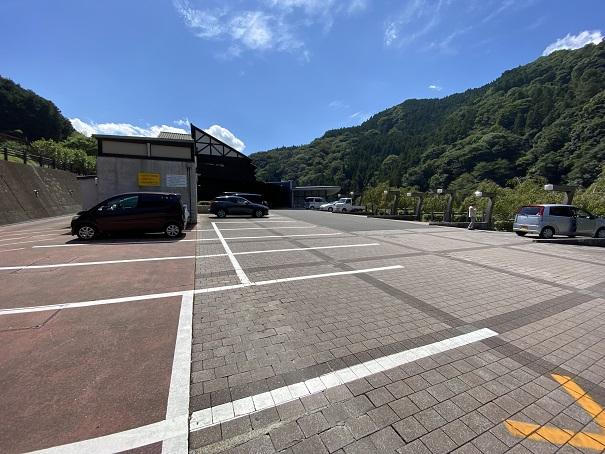 ブルーヴィラあなぶき駐車場