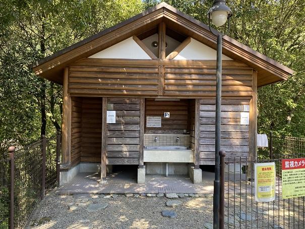 穴吹川二又の瀬水洗トイレ