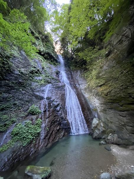 穴吹川の支流閑定谷川の閑定の滝