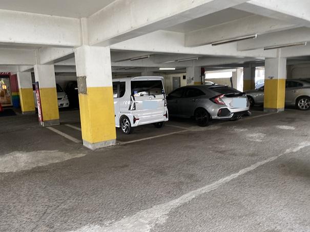 シーサイドボウル高松屋根付き駐車場