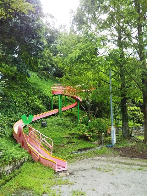 全長160mの大蛇型ローラー滑り台