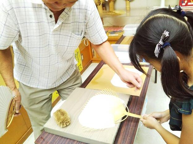 うちわの港ミュージアム うちわ作り体験4