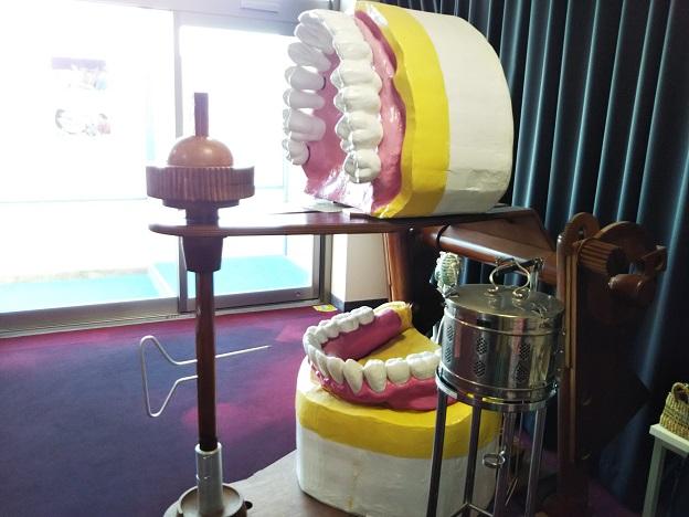 歯ART美術館 2階2