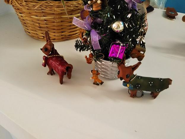 歯ART美術館 レザークラフト犬
